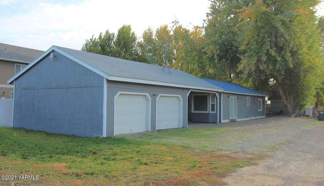 313 4th St, Prosser, WA 99350 (MLS #21-2812) :: Amy Maib - Yakima's Rescue Realtor