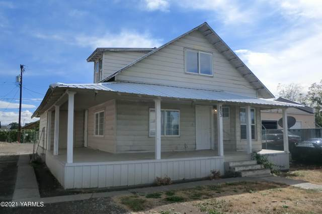 803 S 3rd St, Yakima, WA 98901 (MLS #21-2862) :: Heritage Moultray Real Estate Services