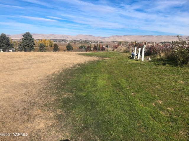NKA Holy Rosary Rd, Moxee, WA 98936 (MLS #21-2867) :: Heritage Moultray Real Estate Services