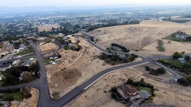 420 Viewmont Dr, Yakima, WA 98908 (MLS #21-294) :: Amy Maib - Yakima's Rescue Realtor