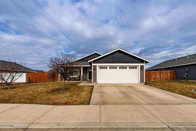 801 Columbus Ave, Moxee, WA 98936 (MLS #21-296) :: Candy Lea Stump | Keller Williams Yakima Valley