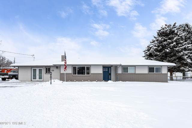 2518 S 52nd Ave, Yakima, WA 98903 (MLS #21-315) :: Heritage Moultray Real Estate Services