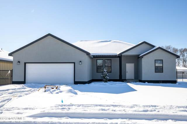 1003 Jefferson Ave, Toppenish, WA 98948 (MLS #21-329) :: Candy Lea Stump | Keller Williams Yakima Valley