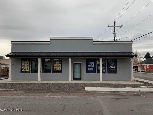 216 S Beech St, Toppenish, WA 98948 (MLS #21-44) :: Candy Lea Stump | Keller Williams Yakima Valley