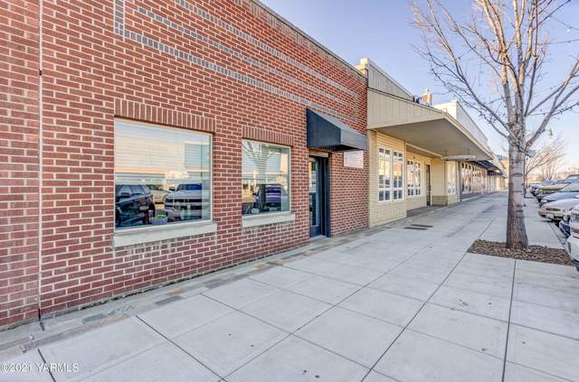 242 Division St, Grandview, WA 98930 (MLS #21-449) :: Heritage Moultray Real Estate Services