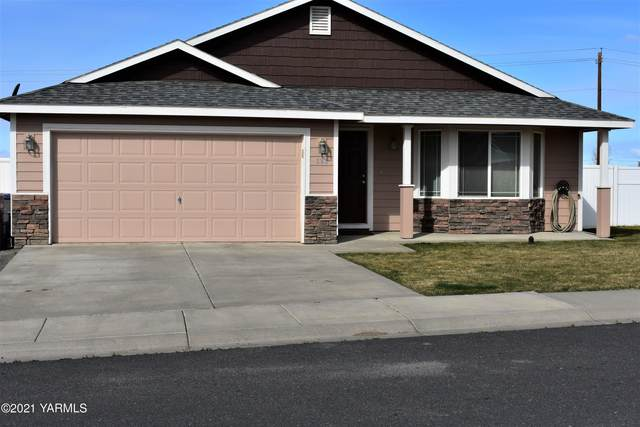 606 Mt. Adams St, Moxee, WA 98936 (MLS #21-601) :: Heritage Moultray Real Estate Services