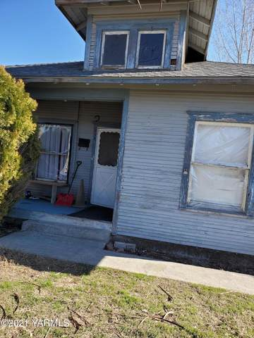 312 N 11th St, Sunnyside, WA 98944 (MLS #21-640) :: Heritage Moultray Real Estate Services