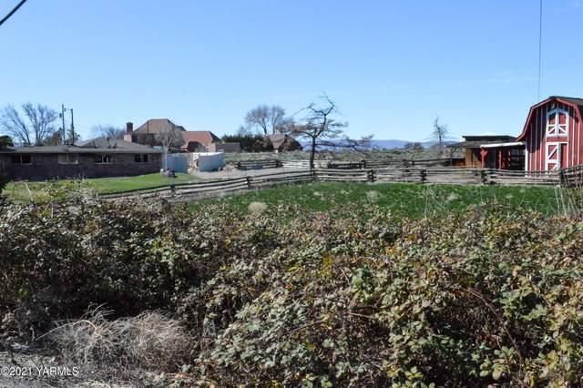 716 N 80th Ave, Yakima, WA 98908 (MLS #21-717) :: Nick McLean Real Estate Group