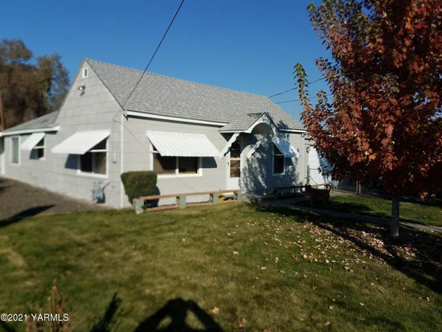 2001 E Mead Ave, Yakima, WA 98903 (MLS #21-79) :: Amy Maib - Yakima's Rescue Realtor