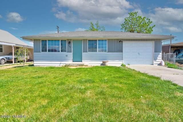 807 S Ahtanum Ave, Wapato, WA 98951 (MLS #21-932) :: Candy Lea Stump | Keller Williams Yakima Valley