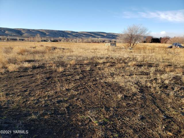 KNA Rutherford Rd, Yakima, WA 98903 (MLS #21-94) :: Heritage Moultray Real Estate Services