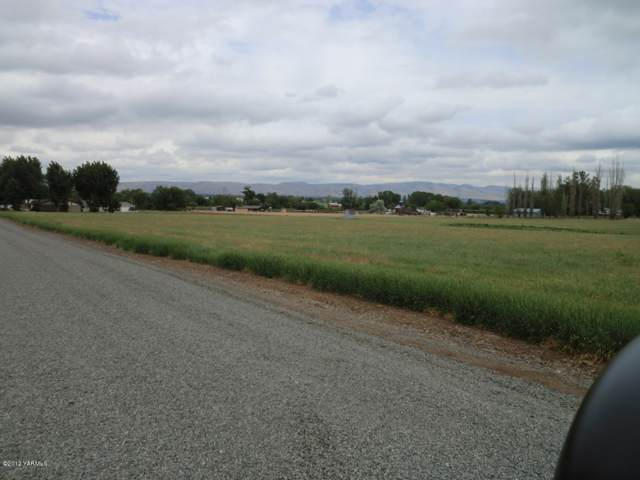 2401 Mccullough Rd Lot #4, Yakima, WA 98903 (MLS #16-71) :: Heritage Moultray Real Estate Services