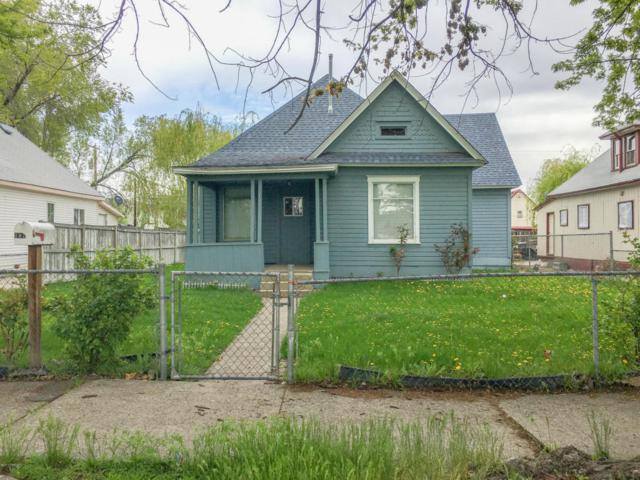 107 S 7th St, Yakima, WA 98901 (MLS #17-1747) :: Heritage Moultray Real Estate Services