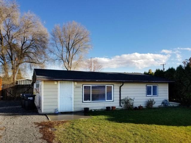 2003 S 7th Ave, Yakima, WA 98903 (MLS #17-2849) :: Heritage Moultray Real Estate Services