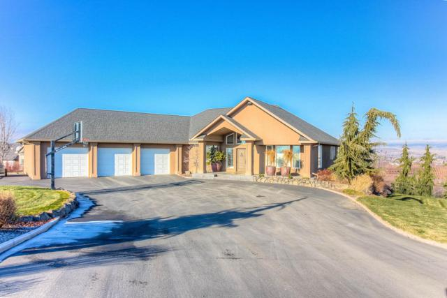 828 Lookout Point, Selah, WA 98942 (MLS #17-2973) :: Heritage Moultray Real Estate Services