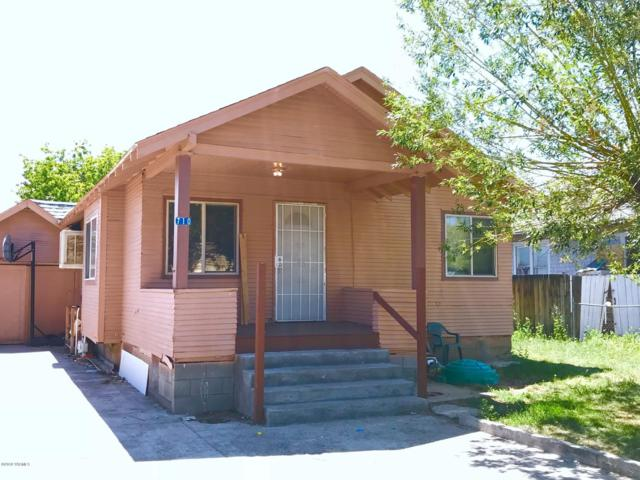 710 Hathaway St, Yakima, WA 98902 (MLS #18-1833) :: Heritage Moultray Real Estate Services