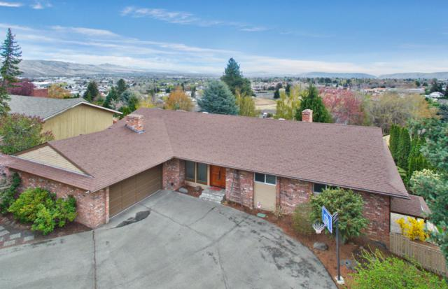 907 Carriage Hill Dr, Yakima, WA 98908 (MLS #18-212) :: Heritage Moultray Real Estate Services