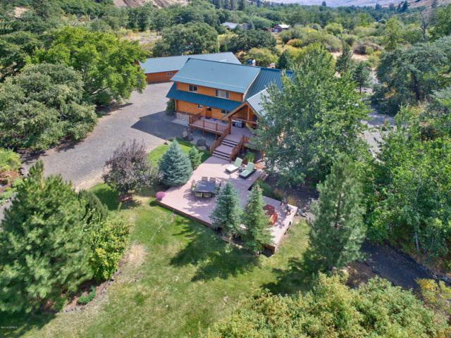 2200 N Fork Rd, Yakima, WA 98903 (MLS #18-2155) :: Heritage Moultray Real Estate Services