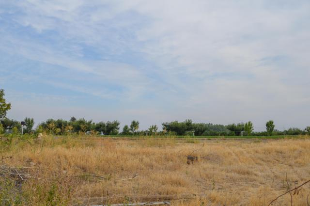 9706 Ridgeway Rd, Yakima, WA 98903 (MLS #18-2164) :: Heritage Moultray Real Estate Services