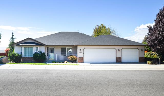 604 N Tumac Dr, Yakima, WA 98901 (MLS #18-2263) :: Heritage Moultray Real Estate Services