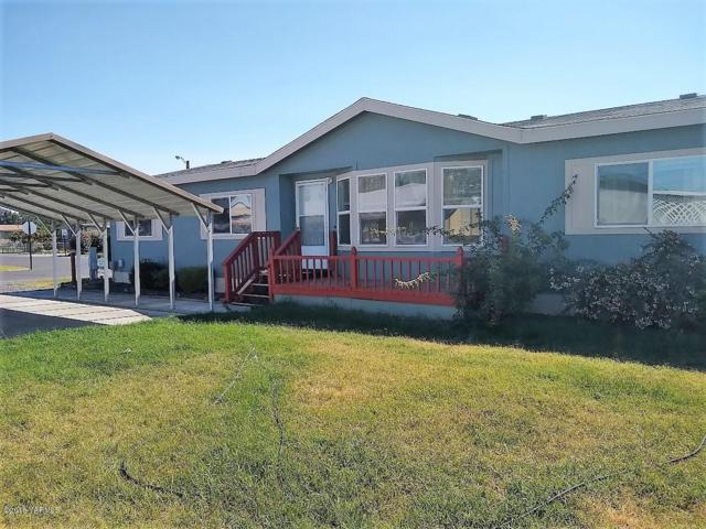 4210 Holiday Ave, Union Gap, WA 98903 (MLS #18-2304) :: Results Realty Group