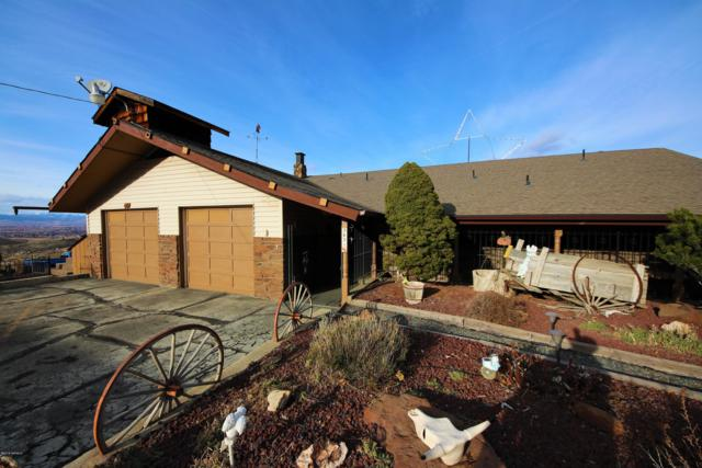 421 View Point Dr, Yakima, WA 98903 (MLS #18-2948) :: Results Realty Group