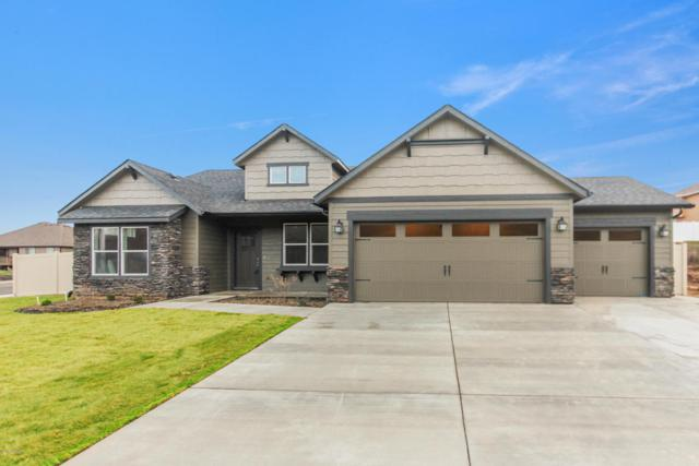 410 S 38th St, Yakima, WA 98901 (MLS #18-465) :: Heritage Moultray Real Estate Services