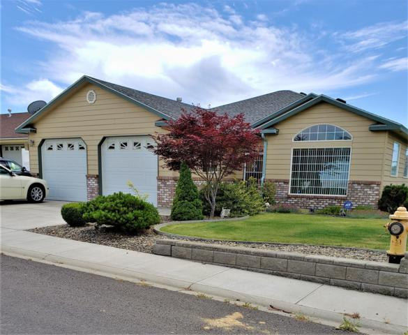 506 Broadway Ave, Grandview, WA 98930 (MLS #19-1285) :: Heritage Moultray Real Estate Services