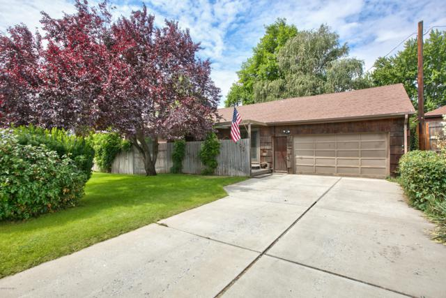 206 S 35th Ave, Yakima, WA 98902 (MLS #19-1645) :: Heritage Moultray Real Estate Services
