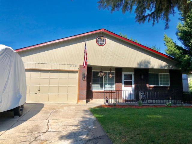 210 N 50th Ave, Yakima, WA 98908 (MLS #19-1751) :: Heritage Moultray Real Estate Services