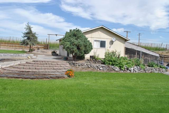 24741 N Crosby Rd, Prosser, WA 99350 (MLS #19-1858) :: Heritage Moultray Real Estate Services