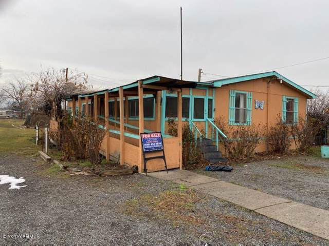1811 Birch St, Yakima, WA 98901 (MLS #19-2141) :: Heritage Moultray Real Estate Services