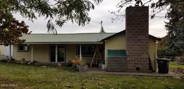 7107 W Occidental Rd, Yakima, WA 98903 (MLS #19-2578) :: Joanne Melton Real Estate Team