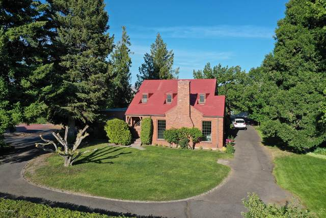 705 S 23rd Ave, Yakima, WA 98902 (MLS #20-1016) :: Heritage Moultray Real Estate Services