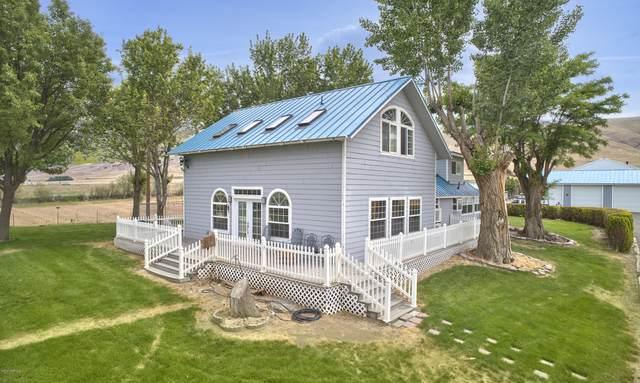 11180 Pumphouse Rd, White Swan, WA 98952 (MLS #20-1353) :: Amy Maib - Yakima's Rescue Realtor