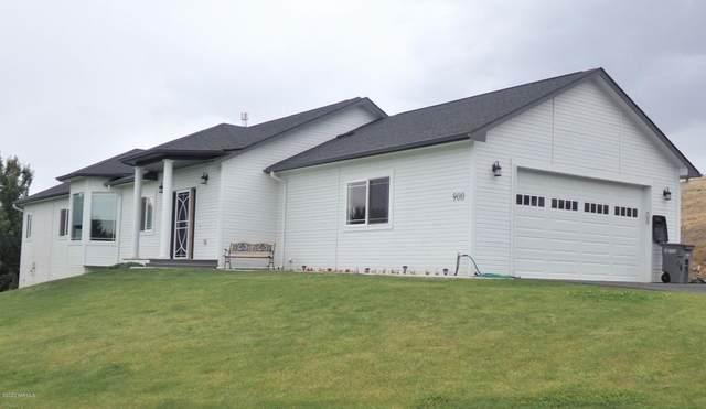 900 Majesty Hts Dr, Yakima, WA 98908 (MLS #20-1449) :: Joanne Melton Real Estate Team