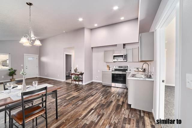 616 E 4th St, Grandview, WA 98930 (MLS #20-2001) :: Heritage Moultray Real Estate Services