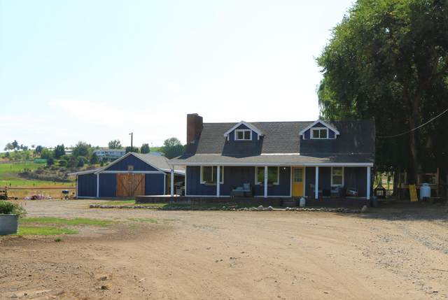 12404 Wide Hollow Rd, Yakima, WA 98908 (MLS #20-2004) :: Heritage Moultray Real Estate Services