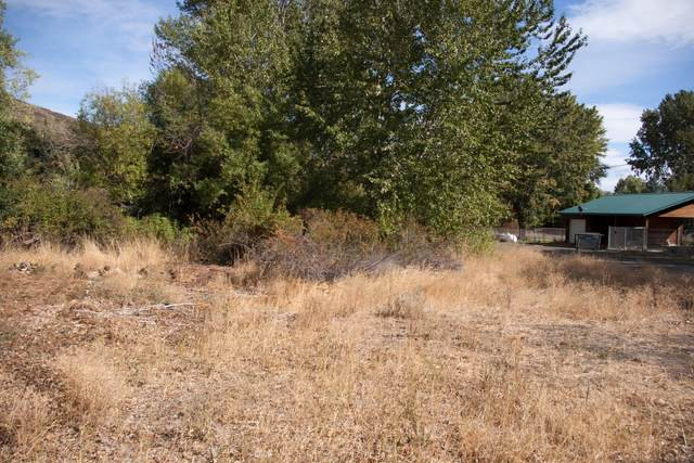 41 N Tampico Park Rd #41, Yakima, WA 98908 (MLS #20-2140) :: Candy Lea Stump | Keller Williams Yakima Valley