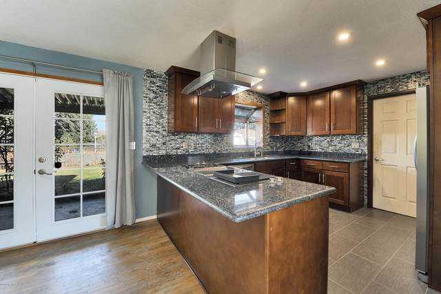2601 W Lincoln Ave, Yakima, WA 98902 (MLS #20-2432) :: Heritage Moultray Real Estate Services