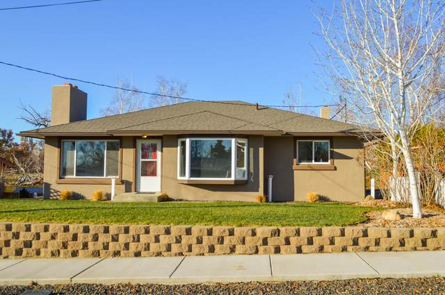 1312 S 44th Ave, Yakima, WA 98908 (MLS #20-2696) :: Amy Maib - Yakima's Rescue Realtor