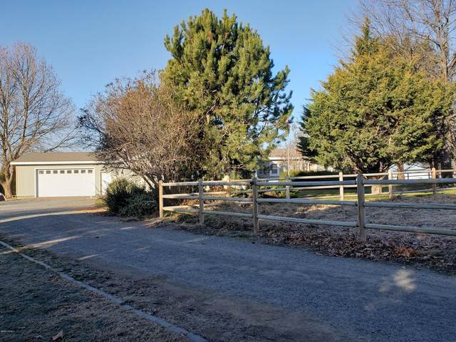 1328 Thacker Rd, Granger, WA 98932 (MLS #20-366) :: Amy Maib - Yakima's Rescue Realtor
