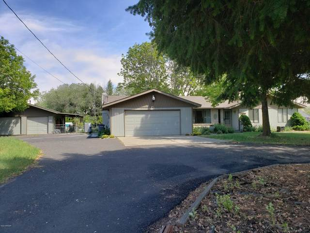 2809 S 90th Ave, Yakima, WA 98903 (MLS #20-968) :: Heritage Moultray Real Estate Services