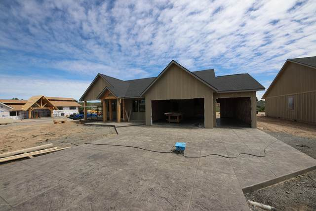 487 Elliot Rd, Cowiche, WA 98923 (MLS #20-997) :: Heritage Moultray Real Estate Services