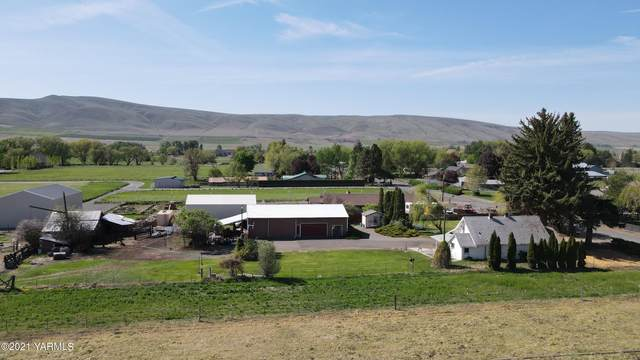 2911 S 74th Ave, Yakima, WA 98908 (MLS #21-1005) :: Candy Lea Stump | Keller Williams Yakima Valley