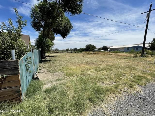 2507 S 10th Ave, Yakima, WA 98903 (MLS #21-1645) :: Amy Maib - Yakima's Rescue Realtor