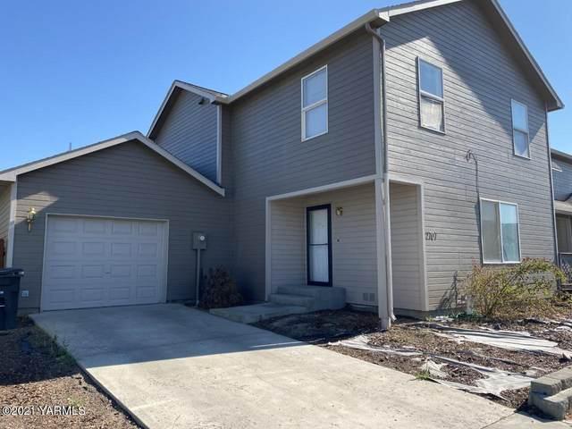 2707 Garrett St, Yakima, WA 98902 (MLS #21-1708) :: Heritage Moultray Real Estate Services