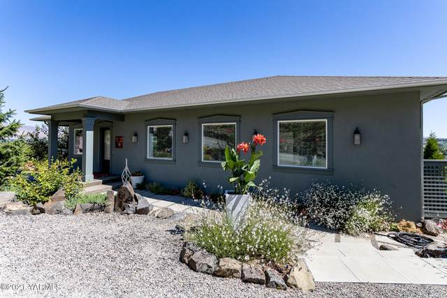 237 Young Grade Rd, Yakima, WA 98908 (MLS #21-1786) :: Heritage Moultray Real Estate Services