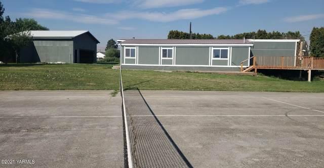 325 Track Rd, Cowiche, WA 98923 (MLS #21-2073) :: Amy Maib - Yakima's Rescue Realtor