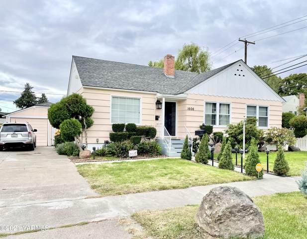 1606 W Maclaren St, Yakima, WA 98902 (MLS #21-2435) :: Amy Maib - Yakima's Rescue Realtor